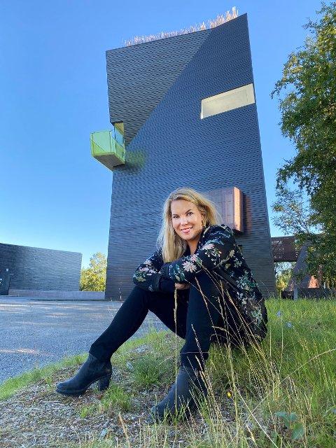 Endelig: Forfatter og feminist Marta Breen var veldig glad over at hun endelig kunne møte publikum ansikt til ansikt igjen etter flere måneder. Det skjedde på Hamsundagene denne uka.