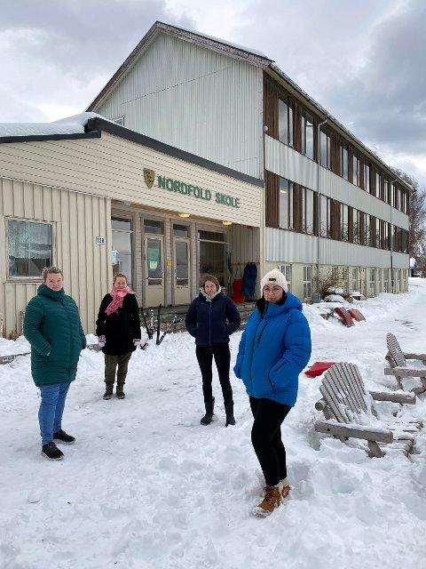 Vil bidra: FAU-representantene Lene Bergheim Nilsen (t.v.), Monica Hjertø, Ingvild Jenssen og Linn Nilsen, vil at det snarest blir gjort noe med skolen. De er selv villige til å bidra.