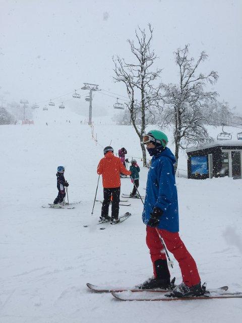 Over 800 skiglade benyttet sjansen da Myrkdalen åpnet skiheisene på kort varsel denne helgen.