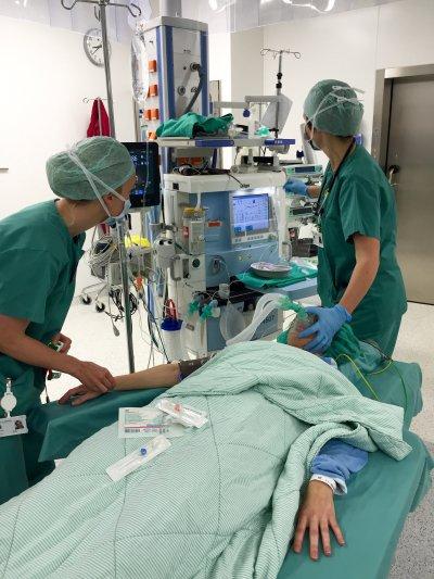 Fra operasjonsbordet, da kirurgene fjernet svulsten i brystet.