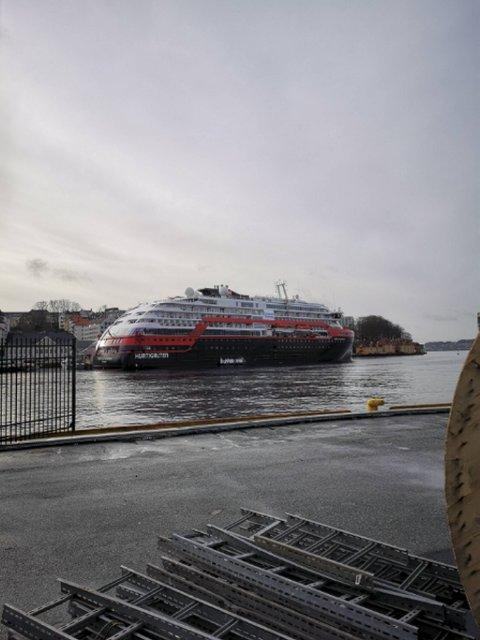 Mandag lå MS «Fridtjof Nansen» til kai i Bergen.