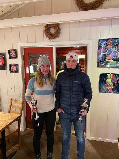 BRONSEVINNERNE: Hedda Turvoll Lien og Markus Bakken utgjør et effektivt team i rallyløypene.