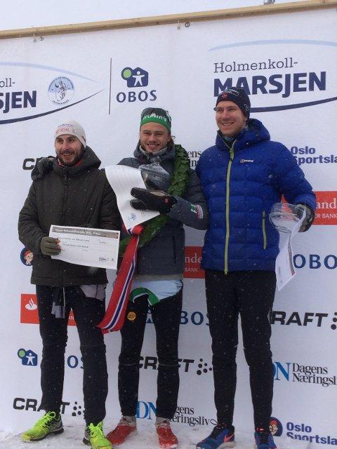 19 år gamle Stian Grastveit (midten) fra Egersund vant lørdag 20-kilometeren i Kollen.