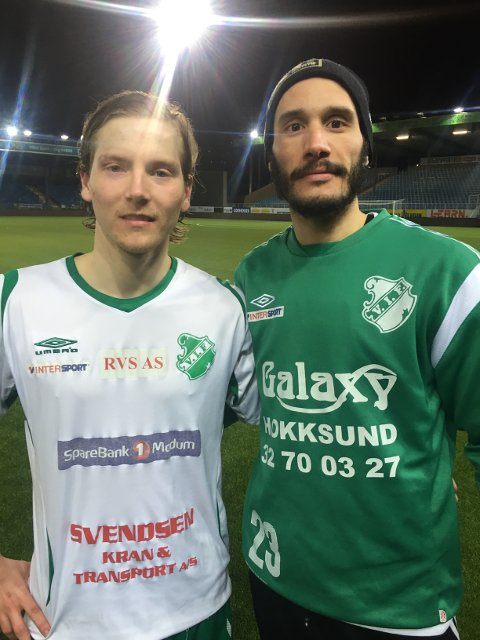 SEIER: Kim Vesterheim Berntzen og Hichem Bekkaoui var godt fornøyd etter kampen mot DFK.