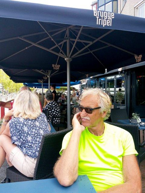 Etter slusing, havnen i Nijmegen. Kokken Gunnar er tenksom.
