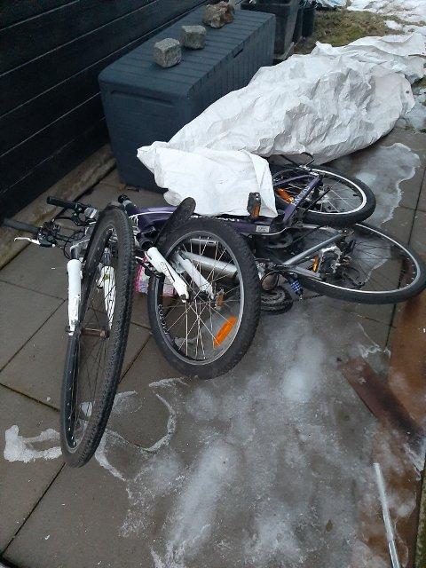 De to syklene som lå igjen etter tyvenes ferd var helt ubrukelige, ifølge Jonas Broman.