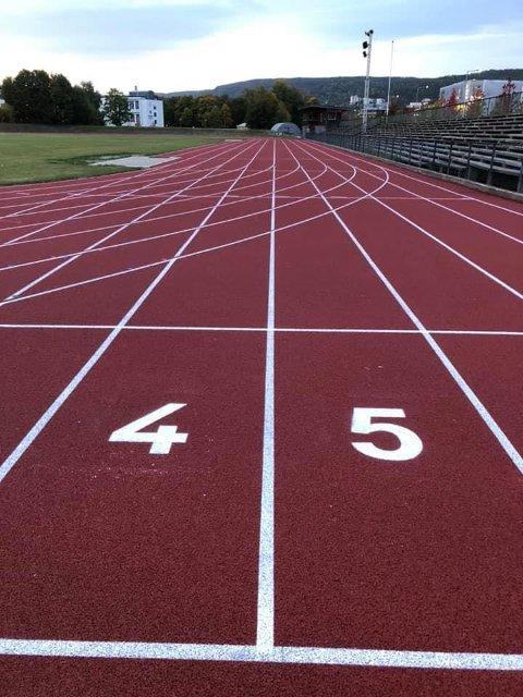 Etter lang ventetid og forsinkelse er friidrettsbanen på Marienlyst nå «nesten» klar.