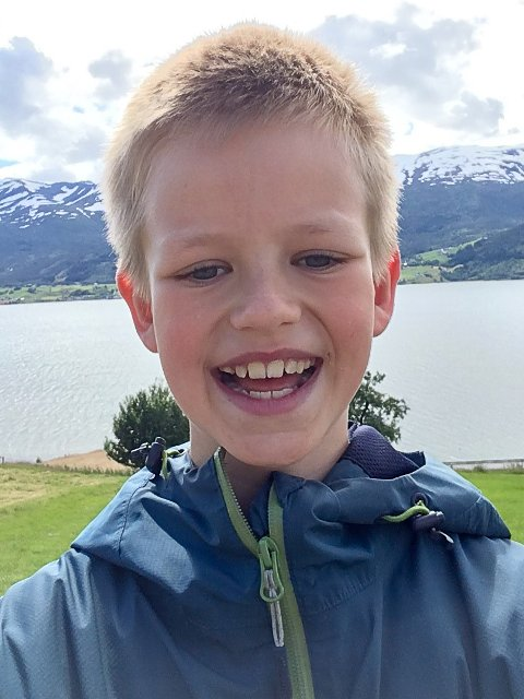 ENGASJERT: Så lenge Jakob (10) kan hugse har han vore interessert i politikk. No har han blitt valt ut til Barnas Klimapanel.