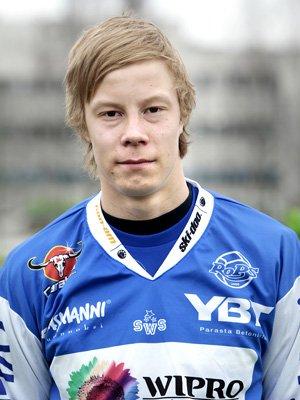 TRENER MED FFK: Jarkko Lahdenmäki trener i disse dager med rødbuksene. Foto: Ropi.fi