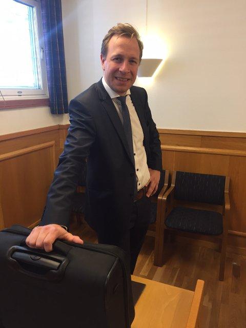 Forsvarer: Advokatfullmektig  Martin Gautestad Jakobsen sa at det ikke hadde vært noe utpreget profittmotiv.  Han fikk langt på vei med seg retten i sitt syn på saken.