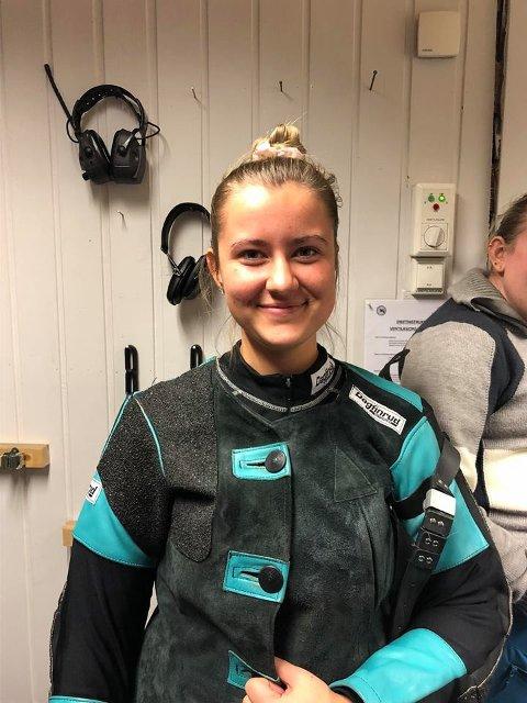 TO GANGER 100: Julie Paulsen Johannessen skjøte 100 poeng både i finalen og i lagskytingen.