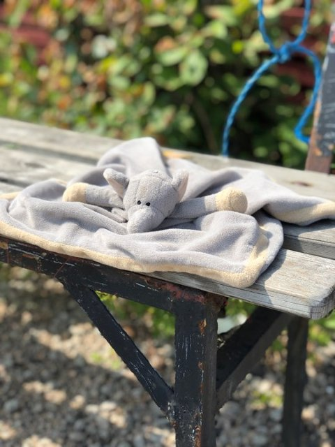 GJENGLEMT: Sutteklut på benk ved Vikerkilen Slipp