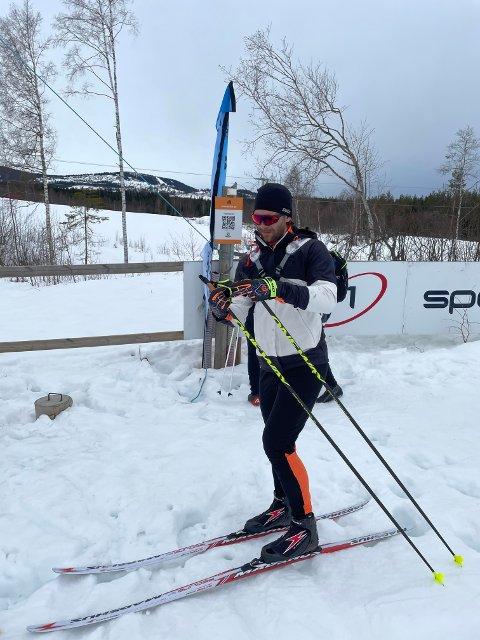 Stjernen-trener Lasse Fjeldstad fikk i helgen testet ut langrennskiene.