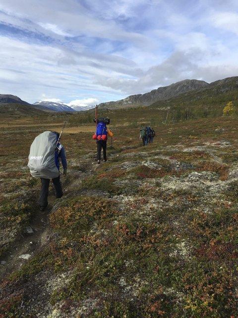 Lang tur: Ture n var på 5,5 mil, og deltakerne hjalp og støttet hverandre hele veien: Foto: Stein Ivar Woll
