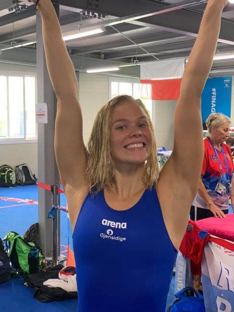 Ingeborg Vassbakk Løyning jubler etter nattens heat i svømme-VM i Sør-Korea.