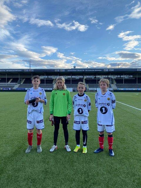 PÅ GLIMT-BESØK: Unge gutter fra Narvik. Jonas Johansen, Emil Slåttrem-Erlid, Gabriel Mentzoni og Casper Kjølmoen.