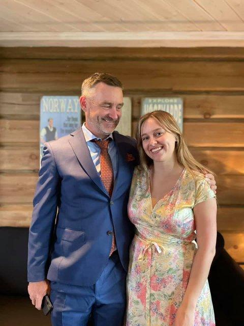 SKREV INNLEGG: Datter Silje Regine Bråthen forteller om hvordan den siste perioden har vært. Her sammen med pappa Clas Brede Bråthen.