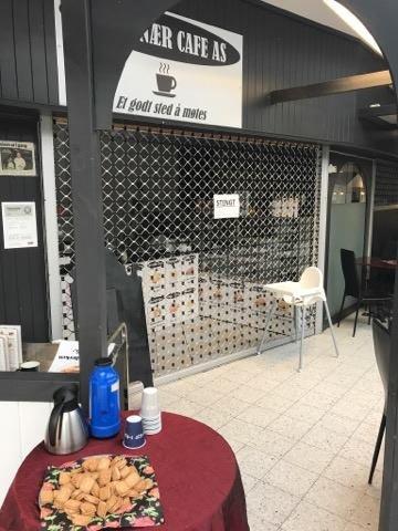 STENGT: Kafeen på Gruetorget har vært stengt den siste tiden. Nå er det åpnet konkurs i Glåmdal tingrett.