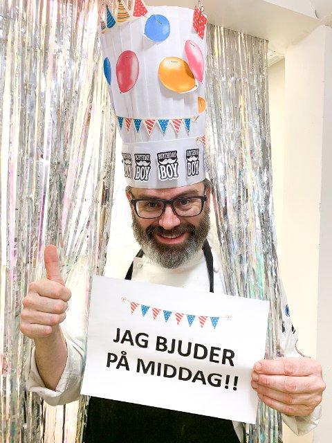 BURSDAGSAUKSJON: Kjøkkensjef Ulf Inge Vien fyller 48 år - og feirer med å auksjonere bort seg selv. FOTO: Slobrua Gjestegård
