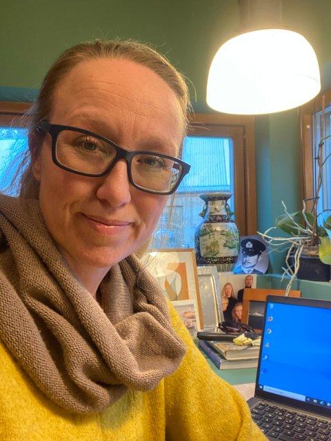 Kommuneoverlege Camilla Kvalø Smedtorp har hatt hendene fulle med korona i måneder - med ekstra trøkk i uka vi har lagt bak oss. Nå er hun og kollegene igang med å planlegge hvordan en massevaksinasjon kan utføres i Kongsvinger.