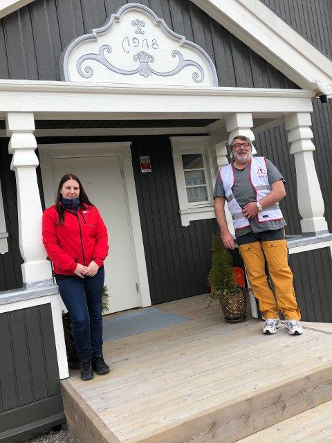 STOR BETYDNING: Nestleder Ottar Delerud i Kongsvinger Røde Kors (t.h) forteller til Glåmdalen at full momskompensasjon vil ha stor betydning for foreningens arbeid.