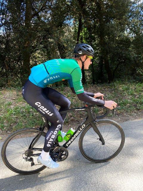 I en alder av 32 år har Dan Erik Hansen fra Kongsvinger signert sin aller første proffkontrakt med et sykkellag. Han beskriver veien dit som en drøm.