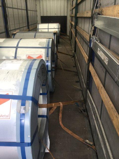 Platerullen som skulle sikres, ca 5 tonn pr. stk.