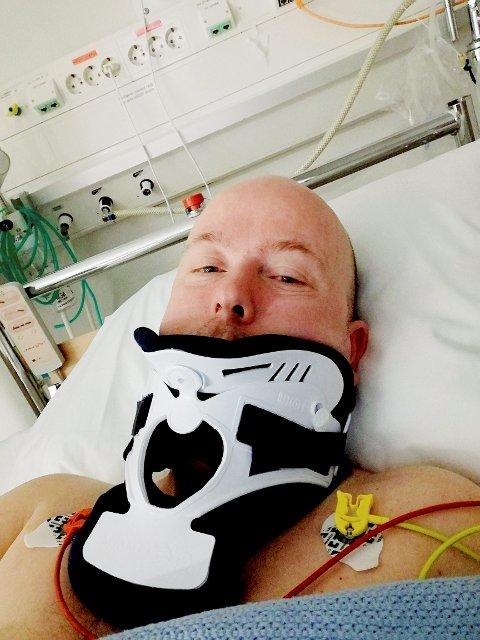 ENDTE PÅ SYKEHUSET: Hytteeier Dagfinn Moen på sykehuset i Lillehammer etter det han mener kunne endt med dødsulykke på Østfjellvegen i Trettenfjellet  24. mars.