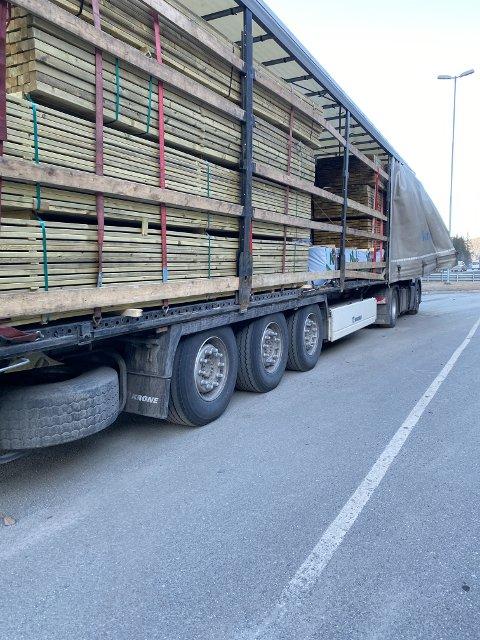 Det var manglende sikring av last på flere kjøretøy som ble vinket inn på Otta trafikkstasjon tirsdag og onsdag denne uka.