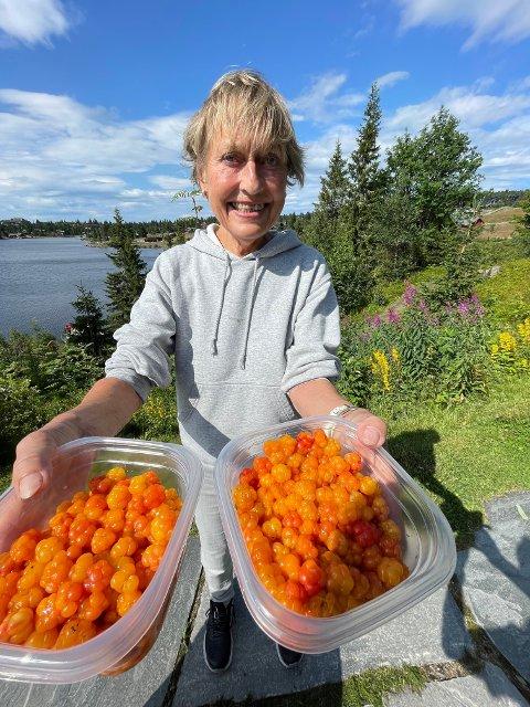 Ingrid Heffermehl reiser fra Ullern hver sommer for å plukke molter på sine egne hemmelige steder på Sjusjøen.