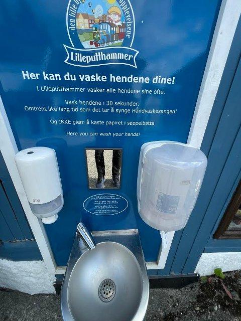Lilleputthammer har ti egne håndvaskepunkter, samt et eget Koronateam som vasker alle punkter som har vært i bruk til enhver tid.