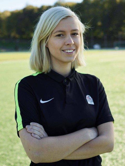AMBISJONER: Mari Ballangrud sikter mot Toppserien og tar gjerne internasjonale oppdrag hvis hun blir god nok. Foto: NFF