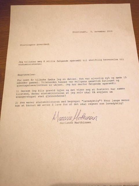 SPØR ERNA: Marianne Marthinsen har selv lagt ut skrivet han har sendt til statsministeren på Facebook.