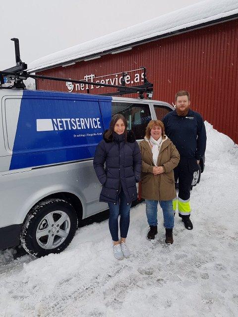 I STABEN: Leona Folde, kontor- og prosjektsekretær, Anita Byklum, nettdokumentasjon og Joachim Lafton, arbeidsleder og energimontør.