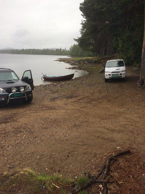 LAV VANNSTAND: Her er det til vanlig bade- og fiskemuligheter. Nå er det mulig å parkere biler i Våja.