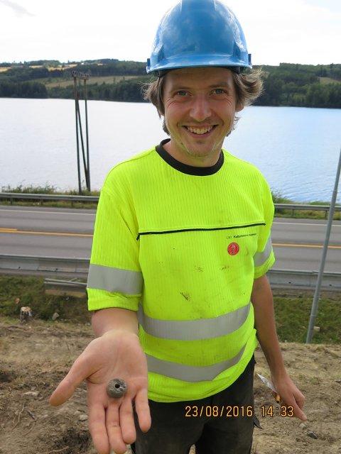 TIrsdag er det mulig å henge seg på guidet tur på Harestua. Denne gangen er arkeolog Vegard Skogheim guide. Kulturbruket er arrangør.