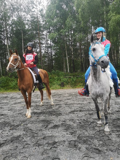 På pallen: Amanda Mælum Engevold og Lene Hammeren.