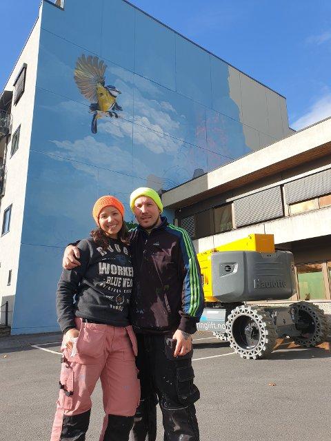 KUNSTNERPARET FRA CHILE: Claudia og M.u.M (hans kunstnernavn) er blant de beste i verden i grafittimaling.