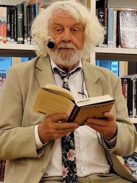 HOEM: Forfattar Edvard Hoem les frå Felemakaren.