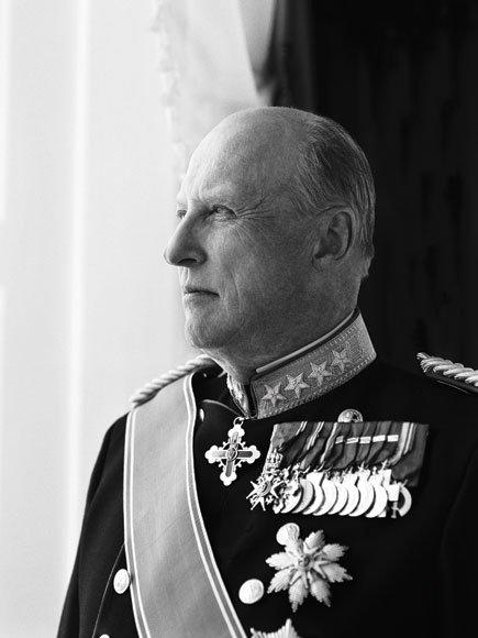 SALUTT FOR KONGEN: I dag fyller Hans Majestet Kong Harald 80 år. Det markeres blant annet med 21 skudd fra Dronningens bastion på Fredriksten.