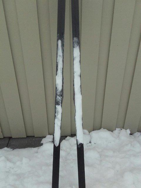 KLADDER: Slik så skia til Astrid Watterdal ut etter skituren.