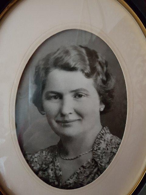 Fru Inga Moe. Initiativtager til stiftelsen av Kornsjø og Paulsbo Velforeing