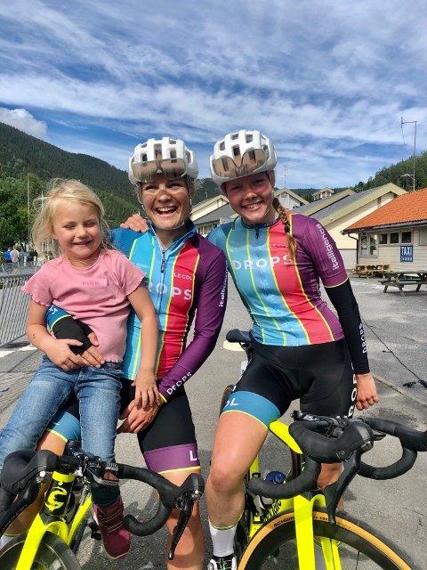 STERK KJØRING: Emilie Moberg og Elise Marie Olsen syklet offensiv og godt under avslutningsetappen av Tour te Fjells.