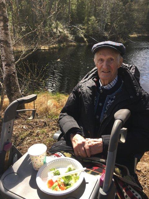 JUBILANT: Paul Smaadahl kan gratuleres med 100 år.