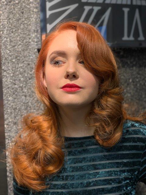 MODELL: Emmas svenneprøve, volumføn på modell Julie Marie.