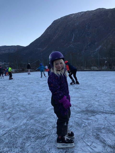 1.klasse ute på isen