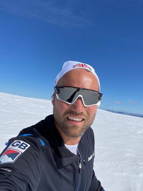 Hovedtrener for Storbritannia sitt herrelandslag i langrenn, Jostein Hestmann Vinjerui, er godt fornøyd med løypene på isbreen Folgefonna.