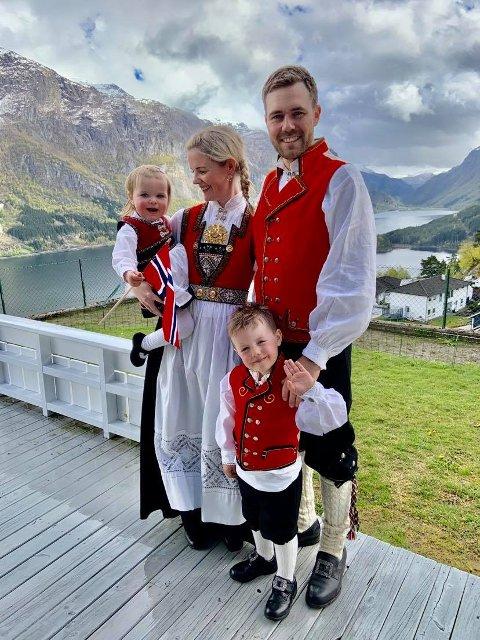 Trond Erstad fra Alver i Nordhordland flyttet til Odda sammen med konen Silje og deres to barn.