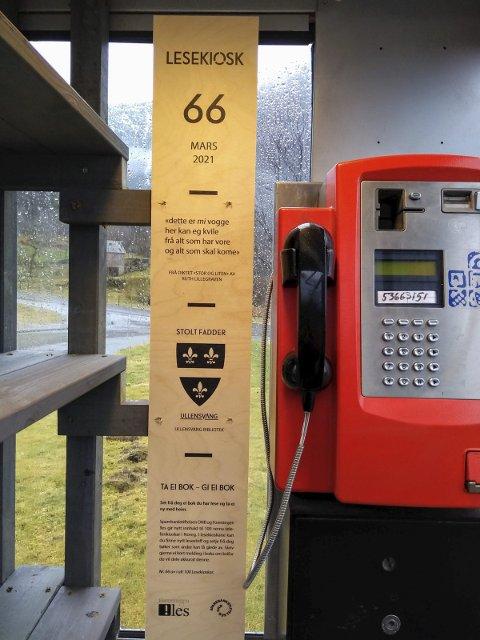 Snart åpen: Kinsarvik får nytt tilbud og attraksjon: To lesekiosker lokalisert i opprinnelige telefonkiosker. Her kan man levere og hente seg litterære godbiter - helt gratis. Alle foto: Erika Alnæs