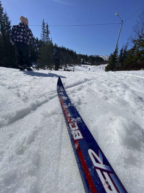 Sol: I starten av påsken var det sol og fint vêr. Mange nytta moglegheita til å ta seg ein skitur i fjellet. Her frå Korlevoll skjærtorsdag.foto: Eivind Dahle Sjåstad